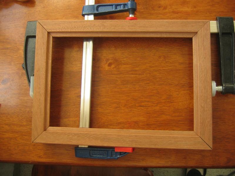 Как сделать рамку на окно из дерева